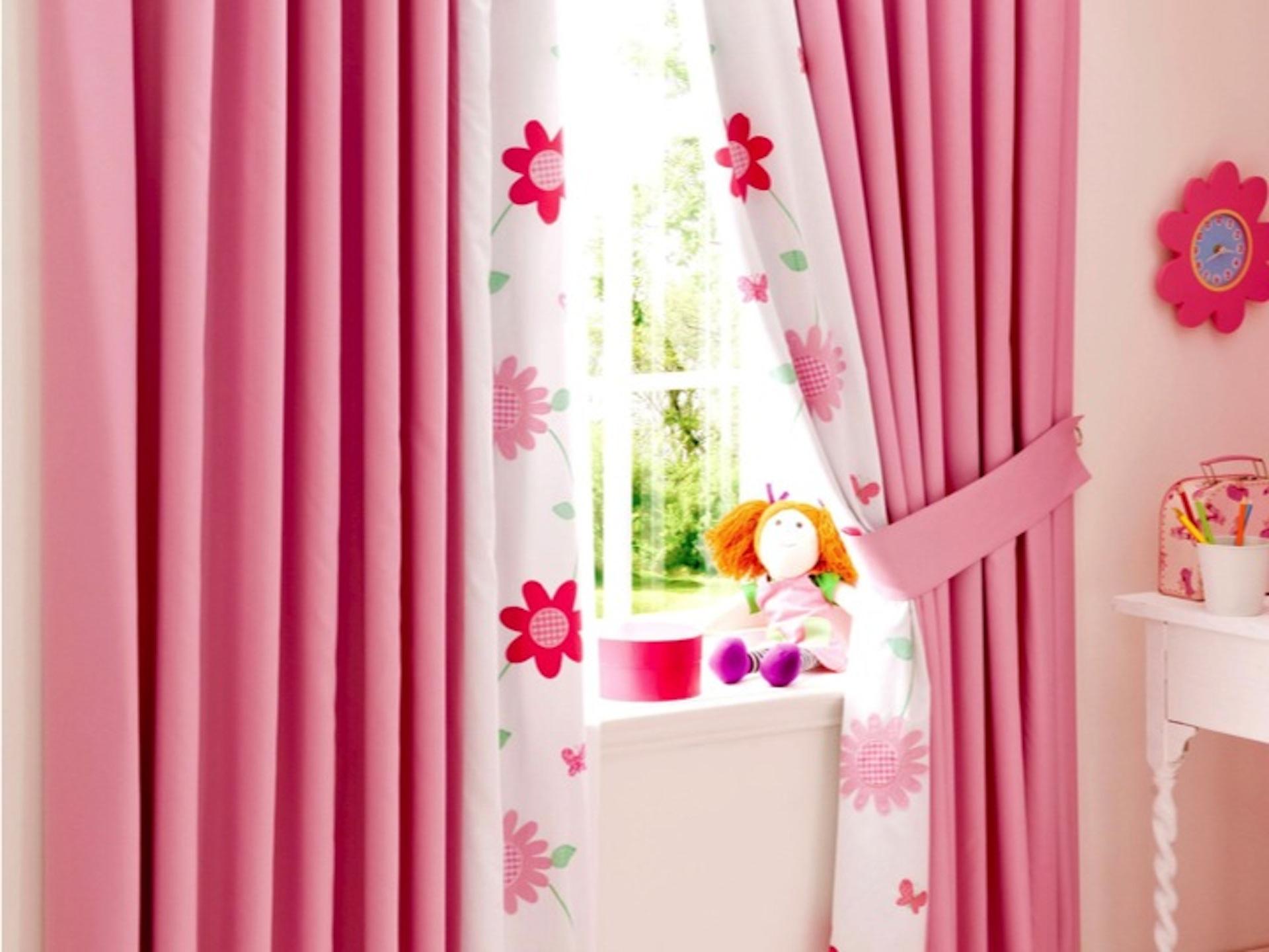 шторы в детскую розовые