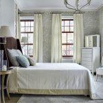 шторы в спальню классика