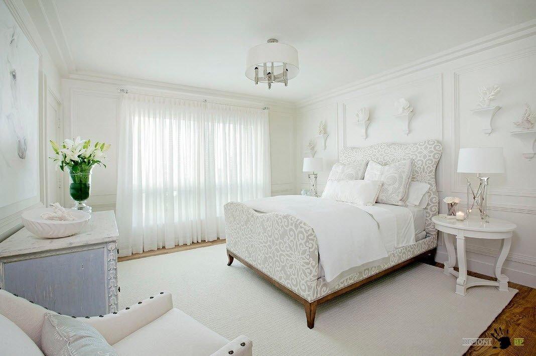 шторы в спальню белую