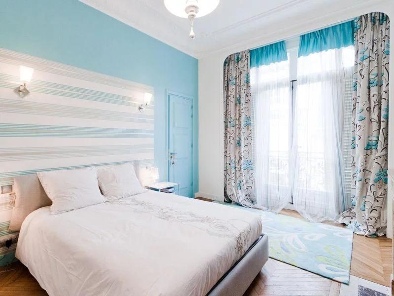 шторы в спальню с рисунком