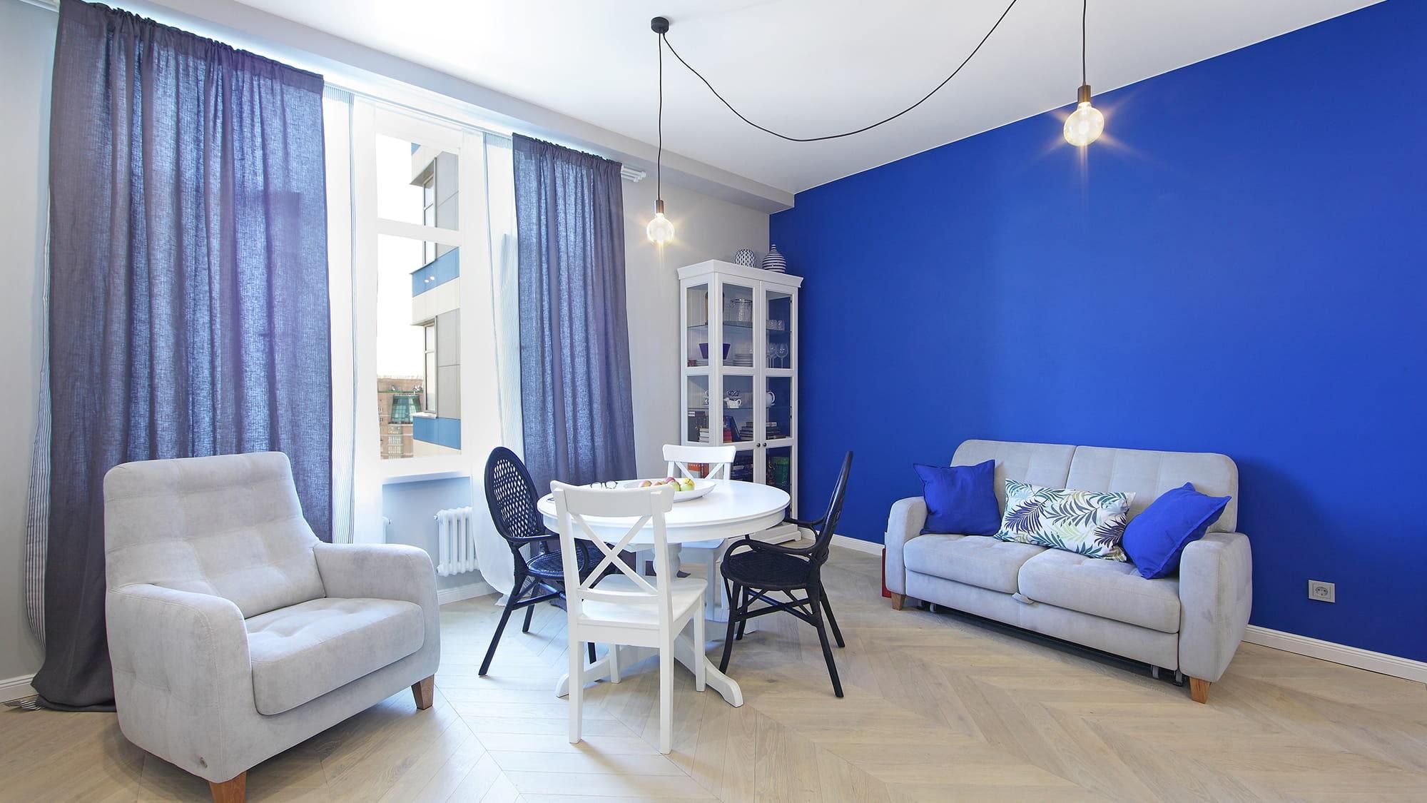 синие шторы фото виды