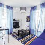 синие шторы оформление фото