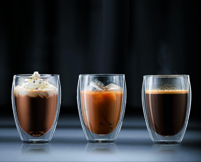 кофе в стаканах с двойными стенками
