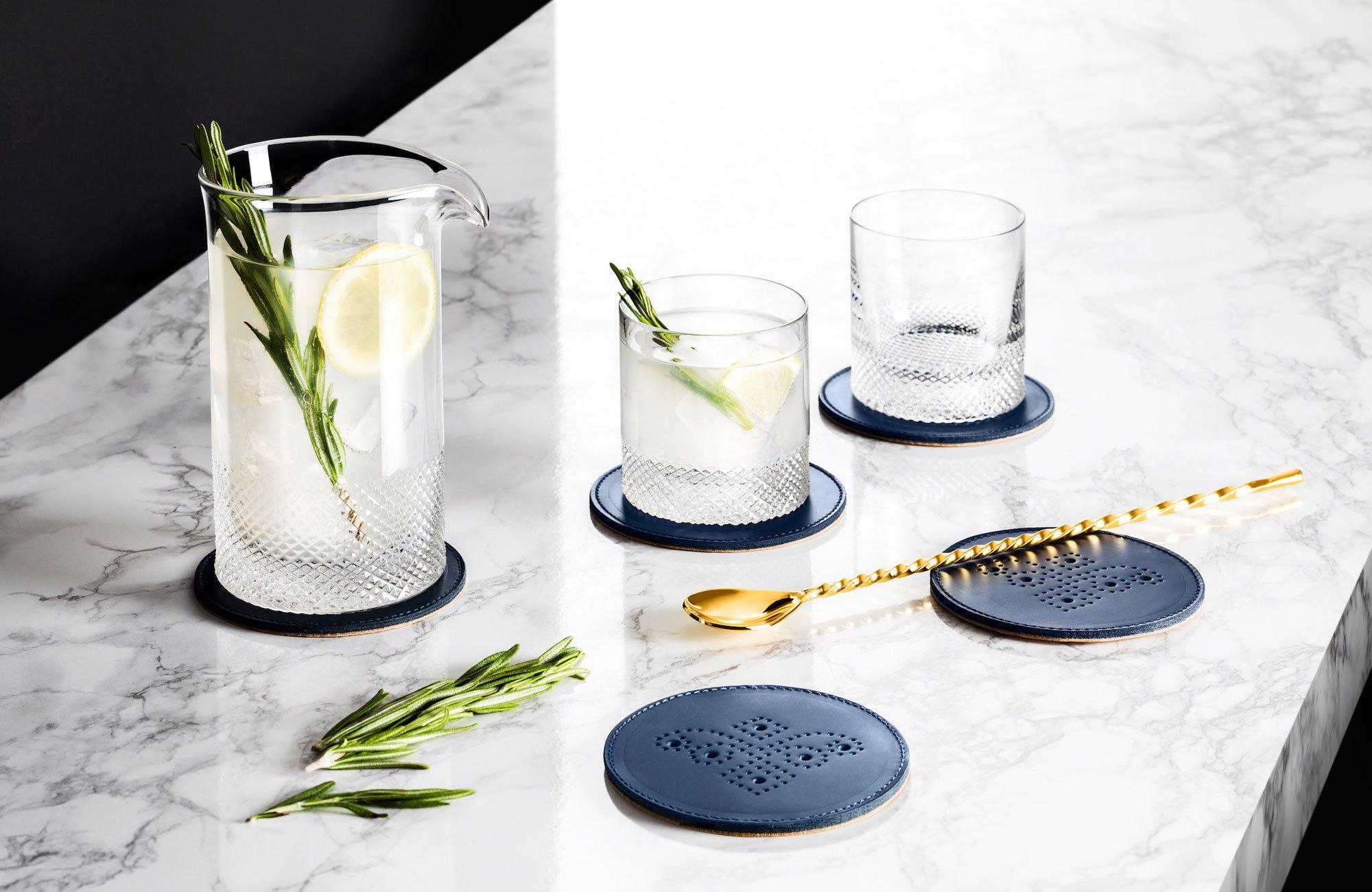 стаканы с подставками
