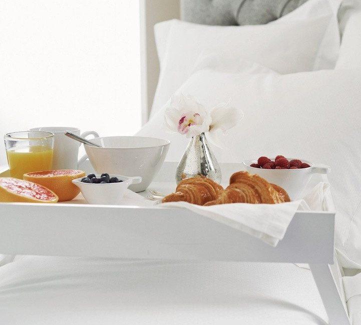 столик для завтрака белый