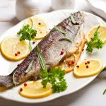 тарелка с рыбой
