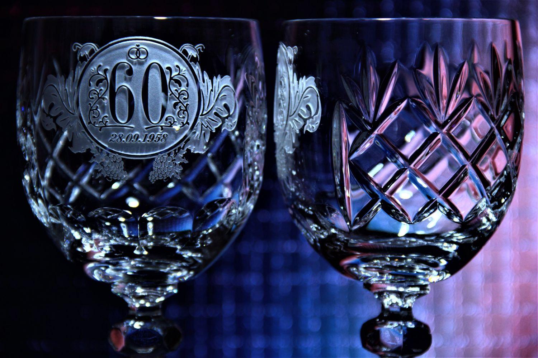 хрустальный бокал для вина с гравировкой