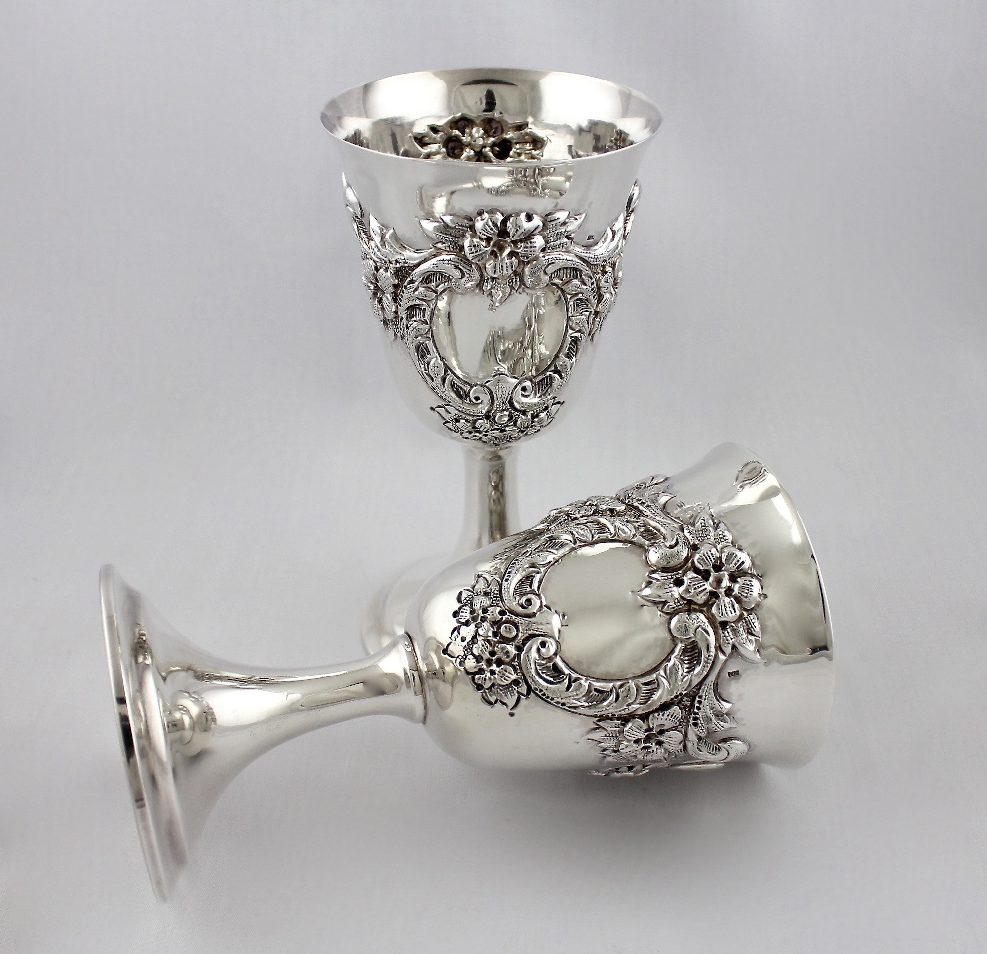 серебряные бокалы