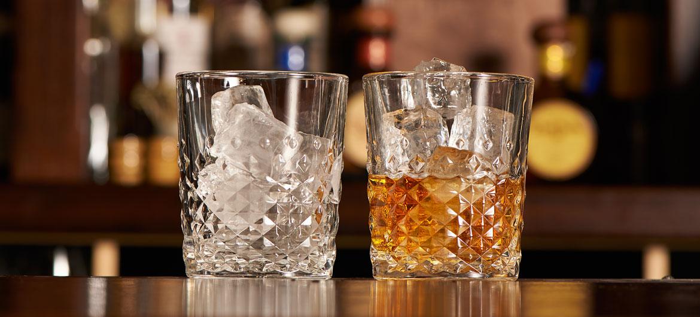 лед в стаканах