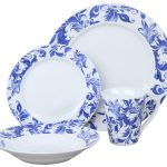 набор столовых тарелок для кухни декор фото
