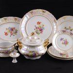 набор столовых тарелок для кухни идеи декор