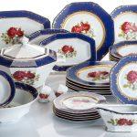набор столовых тарелок для кухни идеи декора