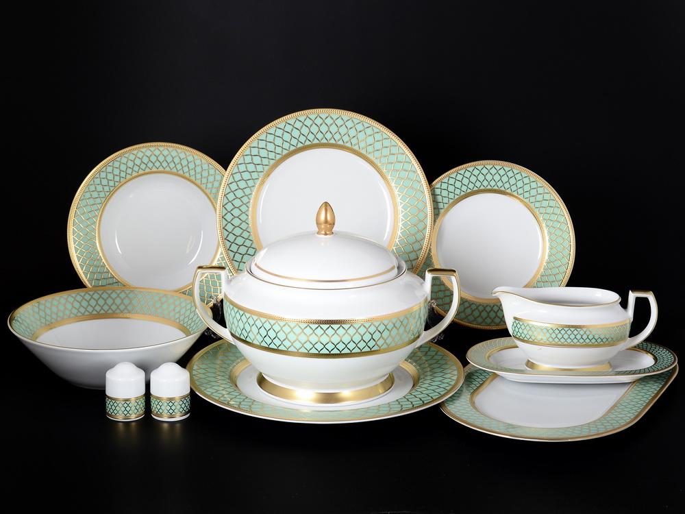 набор фарфоровых столовых тарелок