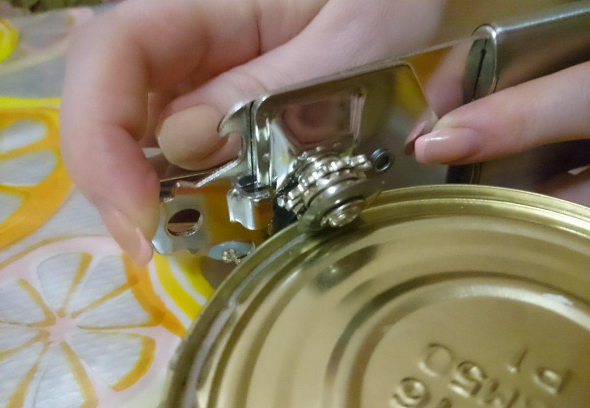 нож для консервных банок фото