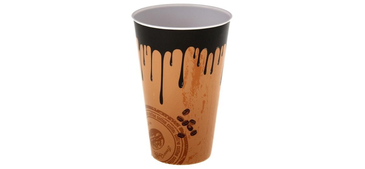 пластиковый стакан для кофе