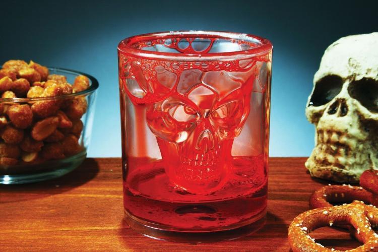 стакан череп на хэллоуин