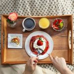 столик для завтрака в постель обзор фото