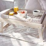 столик для завтрака в постель варианты