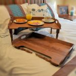 столик для завтрака в постель фото оформления