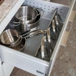 хранение крышек на кухне идеи фото