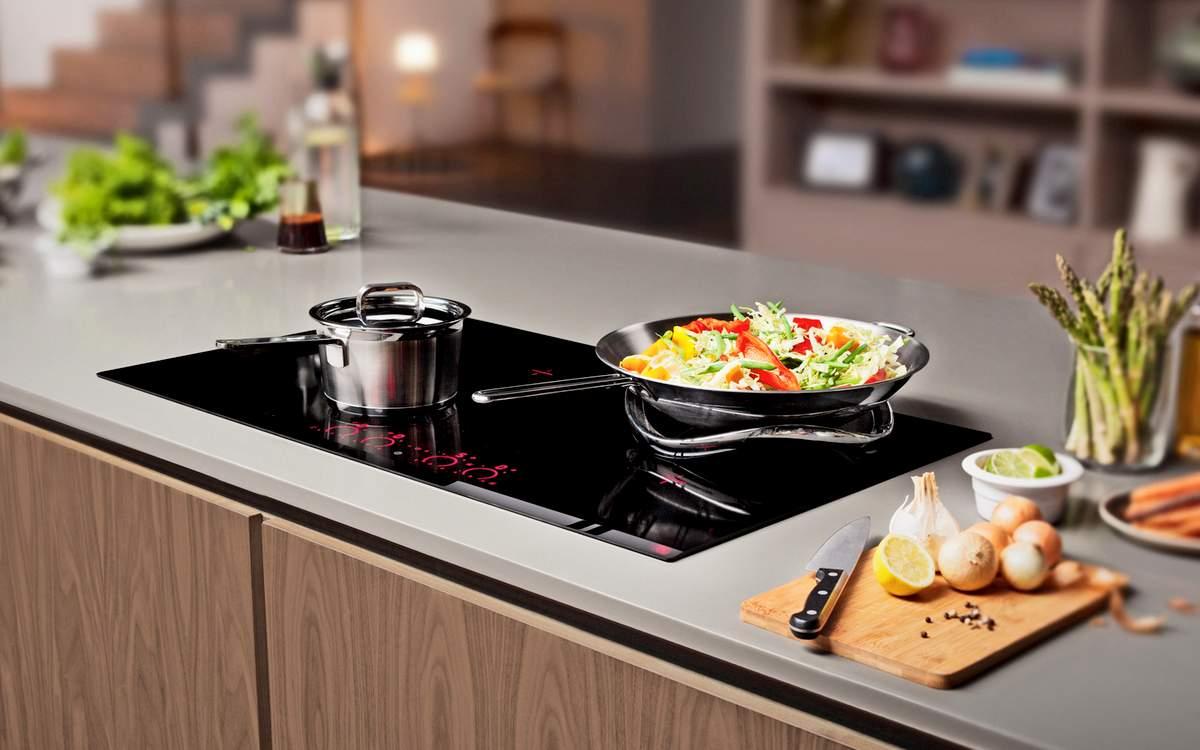 Фото посуды из стали на индукционной плите