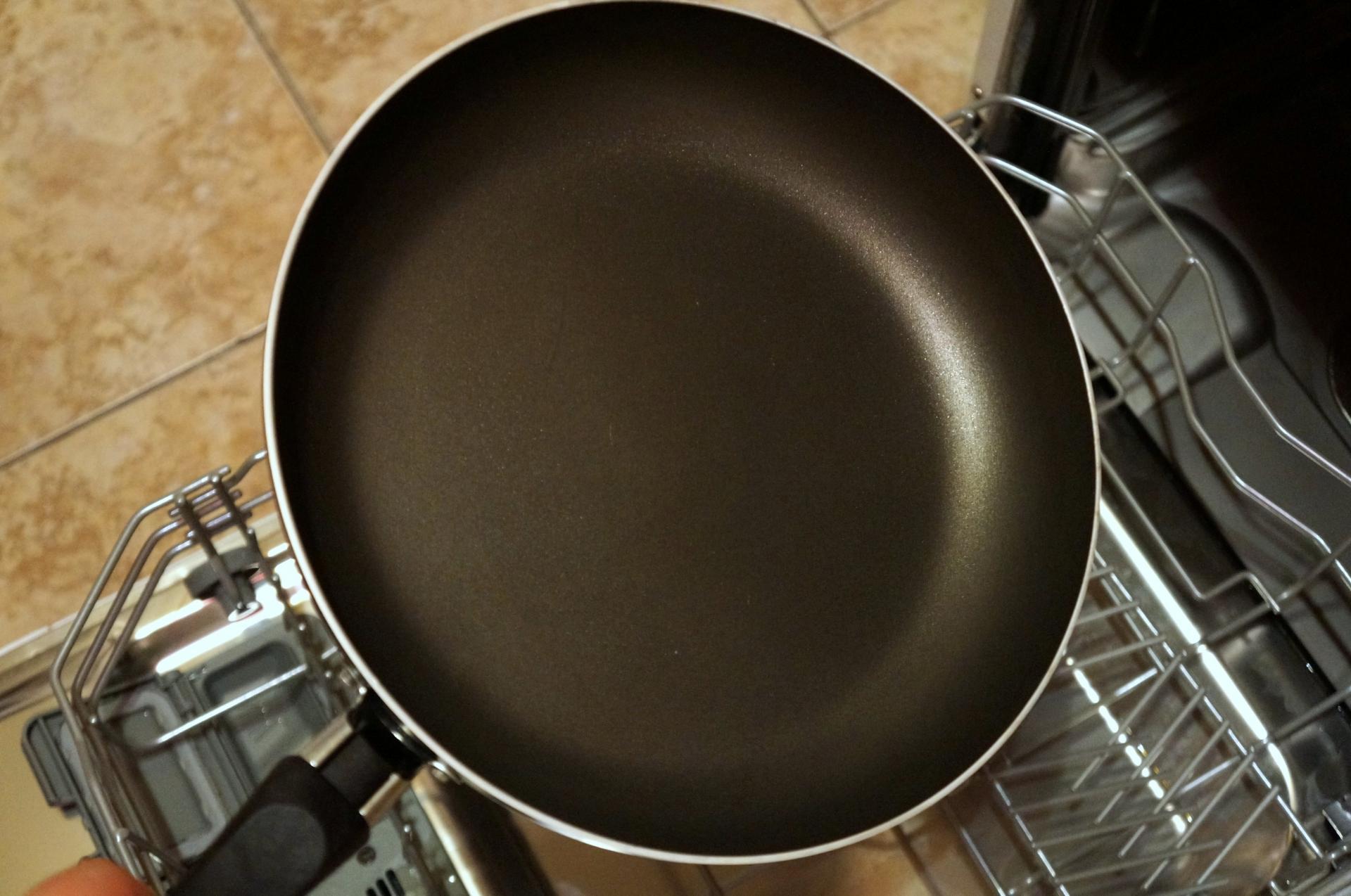 сковорода в посудомойке