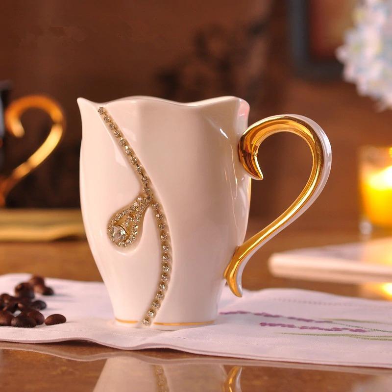 чашка для кофе со стразами