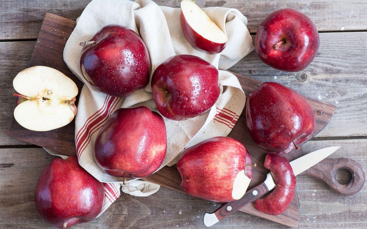 очистить сироп с помощью яблочной кожуры