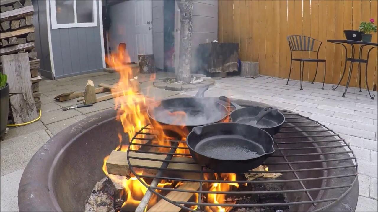 как прокалить чугунную сковороду на открытом огне