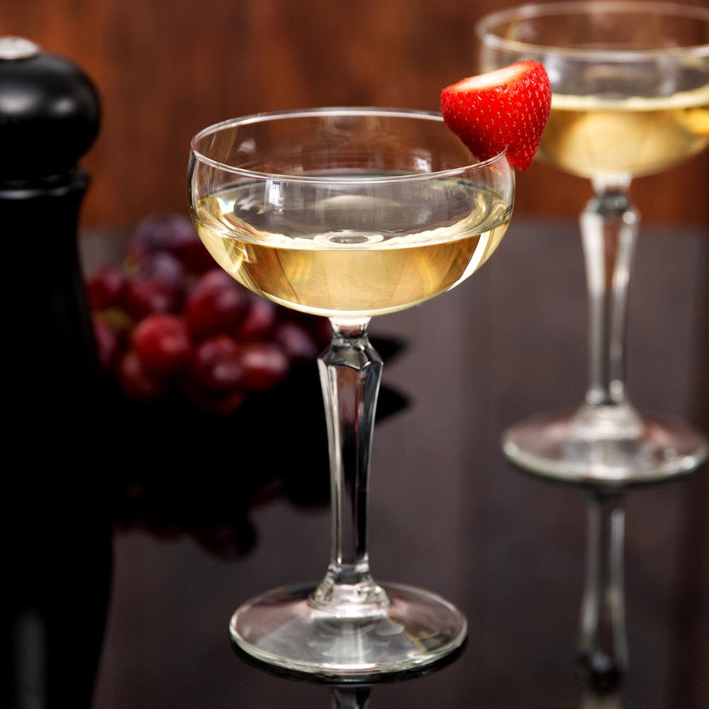 шампанское в блюдцах