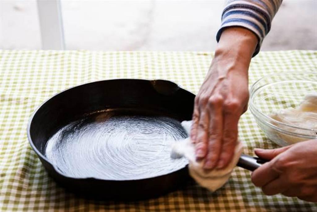 уход за сковородой